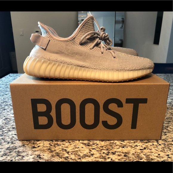 "e111986e2d3e1 Authentic Yeezy boost 350 V2 ""sesame"". NWT"